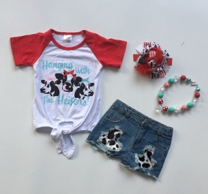 Hanging Heifer shorts set