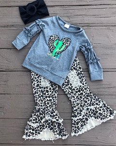 Cactus Love Distressed Jean Outfit
